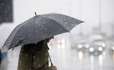 Majowe załamanie pogody. IMGW ostrzega przed burzami