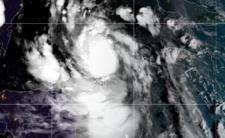 Huragan Delta uderzył w Meksyk - kataklizm dotrze do USA?
