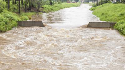 Niebezpieczny deszcz w Polsce. Może nas podtopić