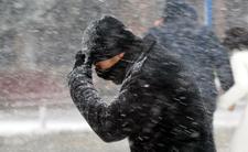 Jarosław zaatakował, zrobiło się paskudnie. Chmury i śnieg nad Polską