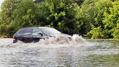 Ciągle pada! Piątek dalej niebezpieczny dla części Polski