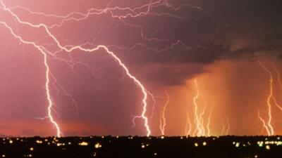 Pogoda w czwartek - burze i możliwe trąby powietrzne