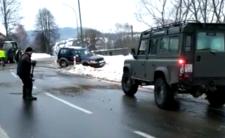Polacy na lodzie - dramatyczne warunki na drogach