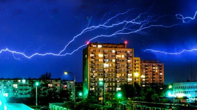 Prognoza pogody: burze, ochłodzenie, deszcz. Kiedy początek lata?