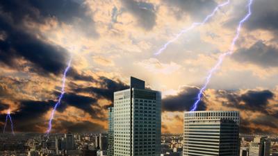IMGW ostrzega przed burzami i ulewnym deszczem