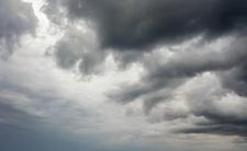 Zimno, mokro i burzowo. Liczyliście na piękny letni dzień? Nic z tego!