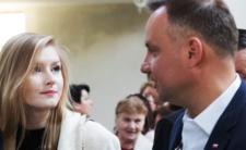 Kinga Duda wstydzi się ojca? Rzuciła pracę, ucieka z Polski