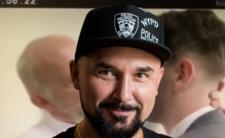 Patryk Vega znowu szokuje - Janusz Chabior zagra polityka geja