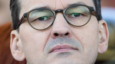 Morawiecki kontra Netflix. Premier atakuje serialowego giganta