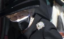 Królowa Elżbieta II pożegnała, męża. Ciezko zniosła pogrzeb
