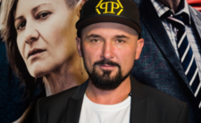 """Patryk Vega i jego nowy film """"Polityka"""" - czy obali rząd PiS?"""