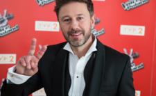 Piasek wylatuje z TVP? Zmiany w The Voice Senior, nowa gwiazda