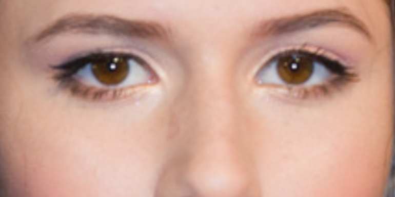 Czyje to oczy?