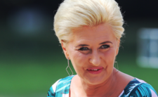Agata Duda ucieka przed ludźmi