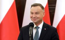 Andrzej Duda chce zabrać ludziom 500 plus? Szuka oszczędności