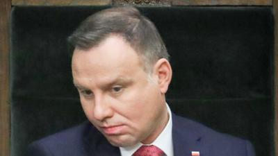 Smutny Andrzej Duda