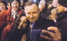 Prezydent i kochanka? PiS reaguje na gorące zdjęcie Dudy z brunetką