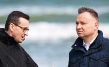Andrzej Duda i Mateusz Morawiecki tracą zaufanie