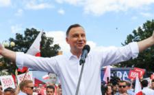 Andrzej Duda poczuł wolność. Śmiga rządowym samolotem, a Polacy płacą