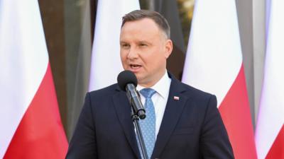 Andrzej Duda ma koronawirusa. Kto zaraził prezydenta COVID-19?
