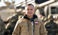 Andrzej Duda rozmawia z wojskiem o pandemii. Co planuje?