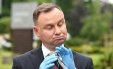 Andrzej Duda rozdaje pieniądze przed wyborami