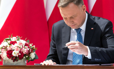 Andrzej Duda, handel 6 grudnia