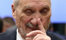 Macierewicz nie odpuszcza. Robi z Polski wyspę chrześcijaństwa
