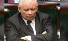 """Ostry atak Kaczyńskiego: """"nieszczęśliwy starzec, gorszy od koronawirusa"""""""