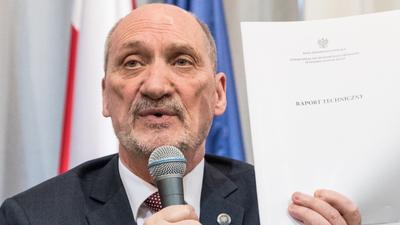 Wyniki badań i trotyl w samolocie w Smoleńsku - Antoni Macierewicz zabrał głos w sprawie