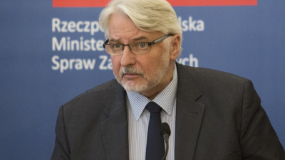 Witold Waszczykowski skarży sie na LOT
