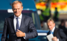 Trzęsienie ziemi w Polsce. PiS drży, Tusk powraca?!