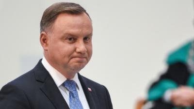 Andrzej Duda i korona orędzie do narodu