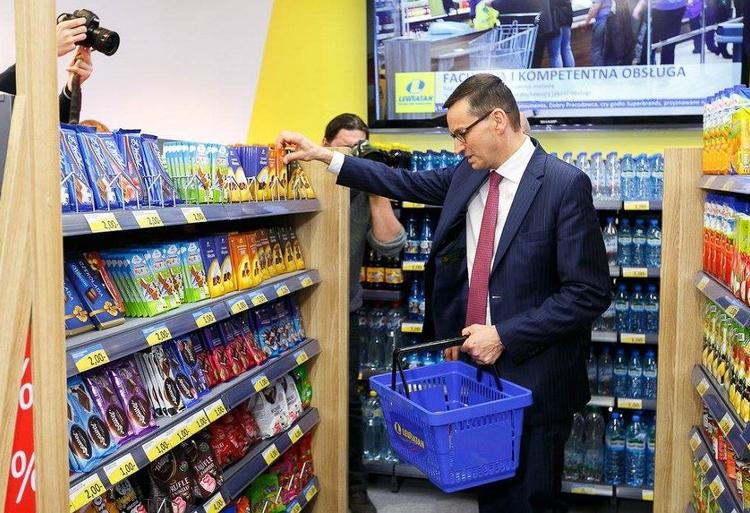 Mateusz Morawiecki robi zakupy za grosze. Twitter presidentCCCP