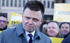 Hołownia publikuje spot wyborczy. Zarzucili mu kpinę ze Smoleńska
