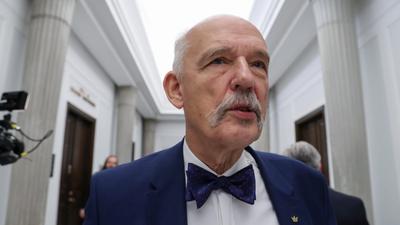 """Janusz Korwin-Mikke ma nową teorię. """"Do polityki powinni iść bogaci"""""""
