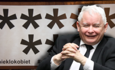 Jarosław Kaczyński idzie na wojnę z kobietami