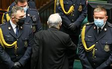 Jarosław Kaczyński ucieka z Sejmu
