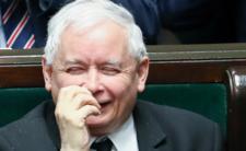 Kaczyński ponad prawem. TVP przedstawia dowody na jego bezkarność