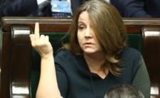 Lichocka i PiS znów pokazują ludziom środkowy palec