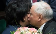 Kaczyński szykuje się na walentynki. Fanki (i fani) się zachwycą