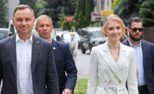 Kinga Duda znów ucieknie z Polski?