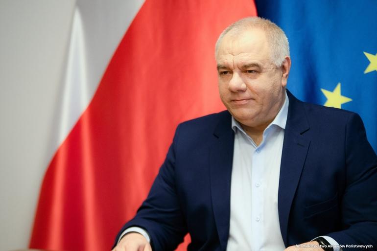 Ile milionów złotych Jacek Sasin prze...znaczył na koronawybory, które się nie odbyły?