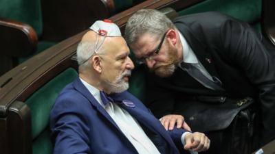 Korwin znowu w akcji - to jeszcze Sejm czy już psychiatryk?
