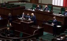 Korwin w Sejmie ostrzega przed rewolucją i masakrą