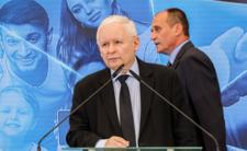 Kukiz szantażuje Kaczyńskiego. Na razie jest bezpieczny, ale...