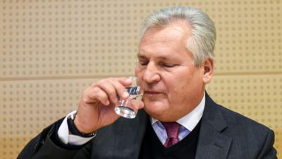 Kwaśniewski i pieniądze - były prezydent lubi duże przelewy?
