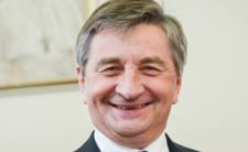 Loty Kuchcińskiego. Robił wycieczki znajomym, w tle (seks)afera