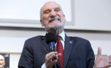 Macierewicz wyjaśnia Smoleńsk - jego komisja to katastrofa?