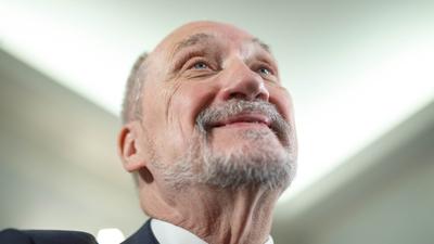 Antoni Macierewicz reaguje na film Sekielskiego: to zamach!